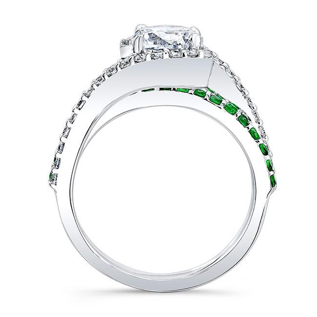 1 Carat Diamond And Tsavorite Ring Image 2