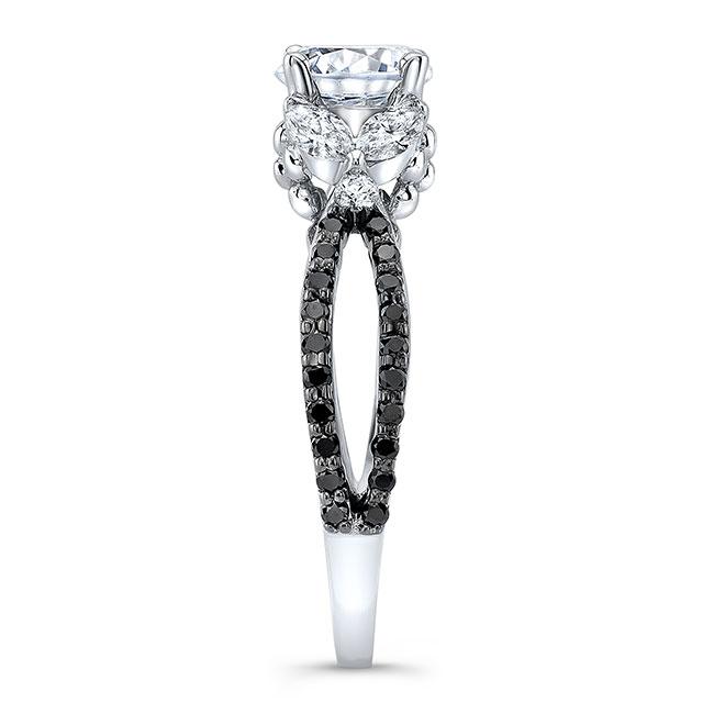 Black And White Diamond Leaf Ring Image 3