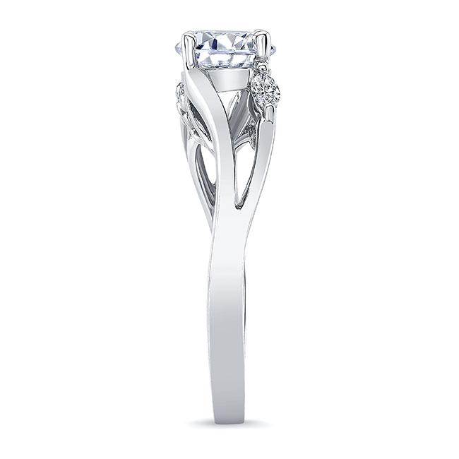 V Shaped Diamond Ring Image 3