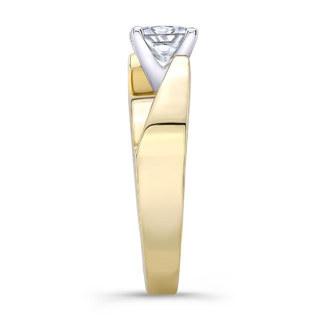 Princess Cut Moissanite Solitaire Engagement Ring MOI-8165L Image 3