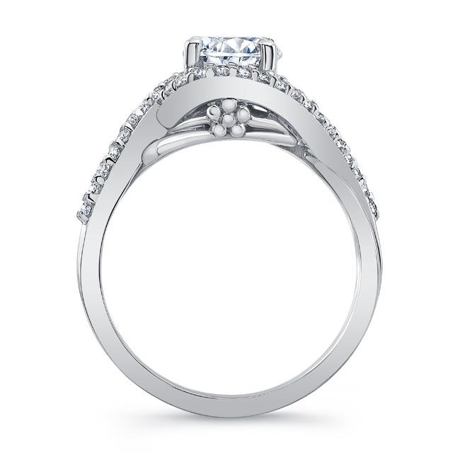 Twisted Halo Engagement Ring Image 2