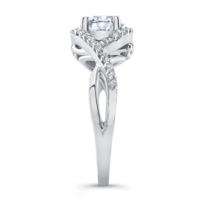 Twisted Halo Engagement Ring Image 3