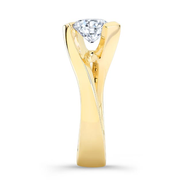 Solitaire Moissanite Engagement Ring MOI-8193L Image 3