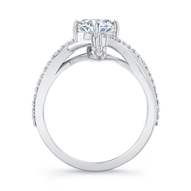 Unusual Round Diamond Ring Image 2