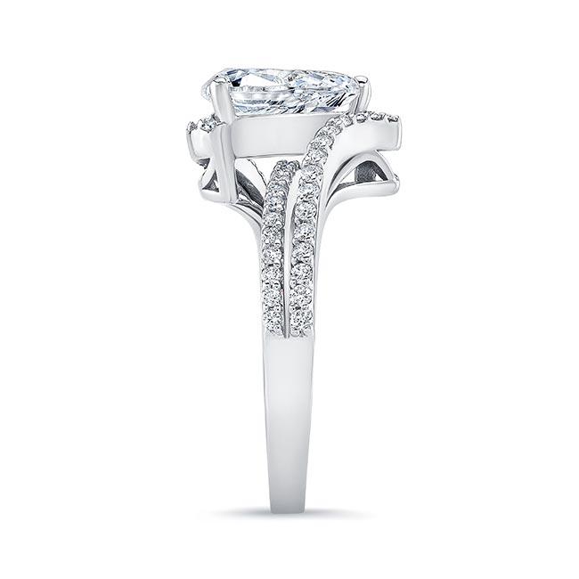 Split Shank Pear Engagement Ring Image 3