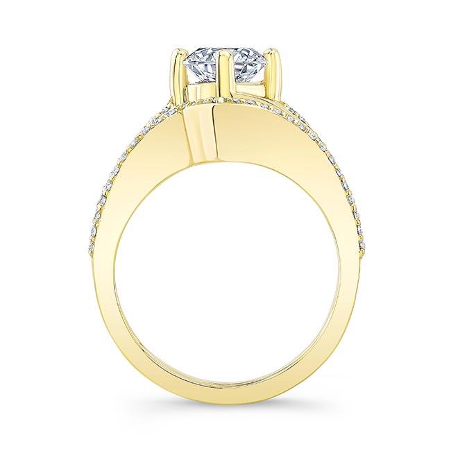 Split Shank Engagement Ring With Wedding Band Image 2